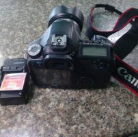 Canon 40D + 18-55 is 2 + thẻ 2GB