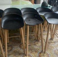 Bán ghế quầy bar chân gỗ hàng cũ tồn kho giá rẻ